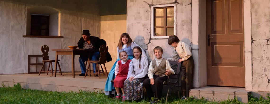 Vabljeni v Letno gledališče na Sosedovega sina