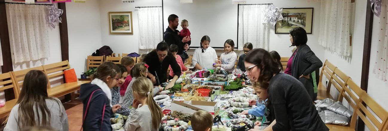 Adventne venčke izdelovalo 37 otrok